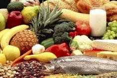 Conheça os alimentos que podem matar se comidos crus