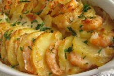 Batatas gratinadas com camarão uma refeição deliciosa e muito prática