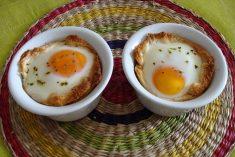 Cocotte de Ovos com Fiambre e Queijo
