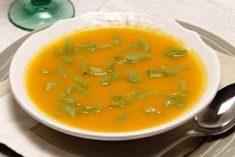 Creme de cenoura com feijão-verde