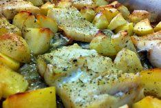 Lombos de bacalhau no forno com batata nova
