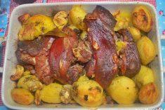Pernil fumado no forno com castanhas e batata