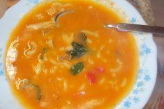 Sopa de peixe com massinhas