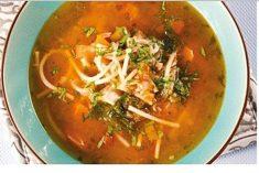 Sopa de peixe deliciosa