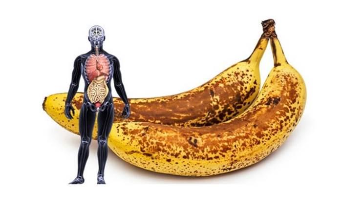 Sabe o que acontece ao seu corpo se comer 2 bananas com manchas castanhas por dia?