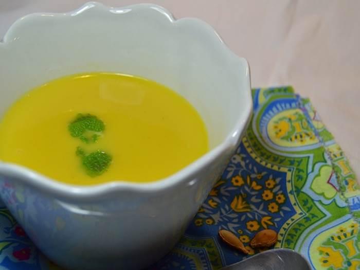 Sopa de abóbora e grão