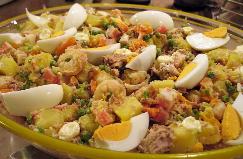 Salada Russa á Mesa