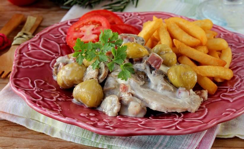 Bifinhos de Porco com Cogumelos e Castanhas