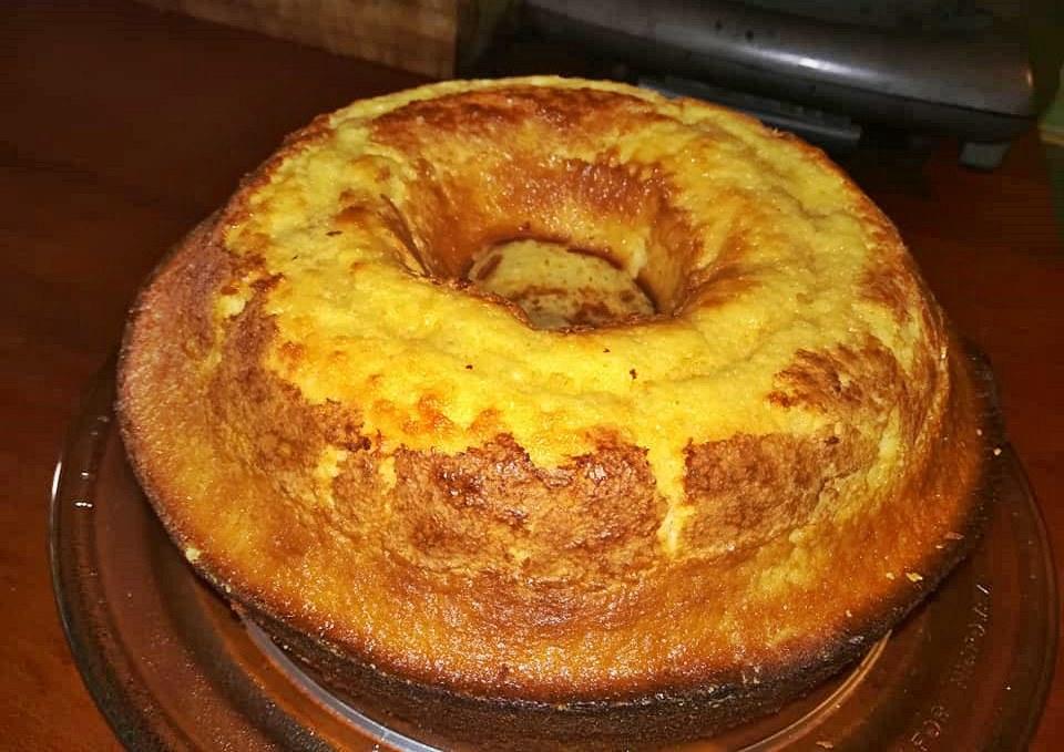 Bolo de limão muito fofinho faz-se em 5 minutos + 35 no forno