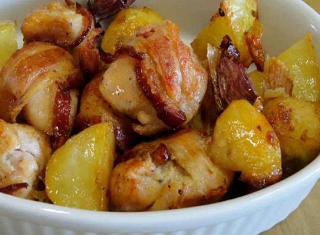Frango com bacon cerveja e batatas coradas